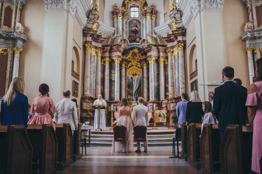 the wedding photography in Vilnius old town church